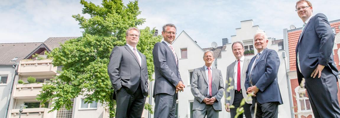 <span>Seit über 40 Jahren</span><br><span>Rundum-Betreuung</span><br><span>in Recklinghausen </span>